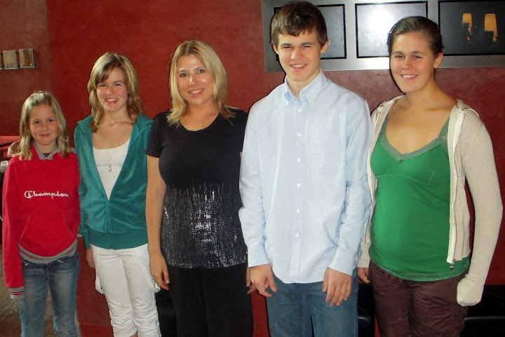 Family photo of the celebrity famous for Grandmaster 2004.